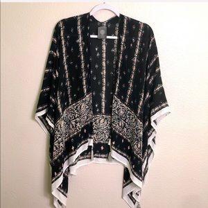 VINCE CAMUTO   Black Boho Style Kimono